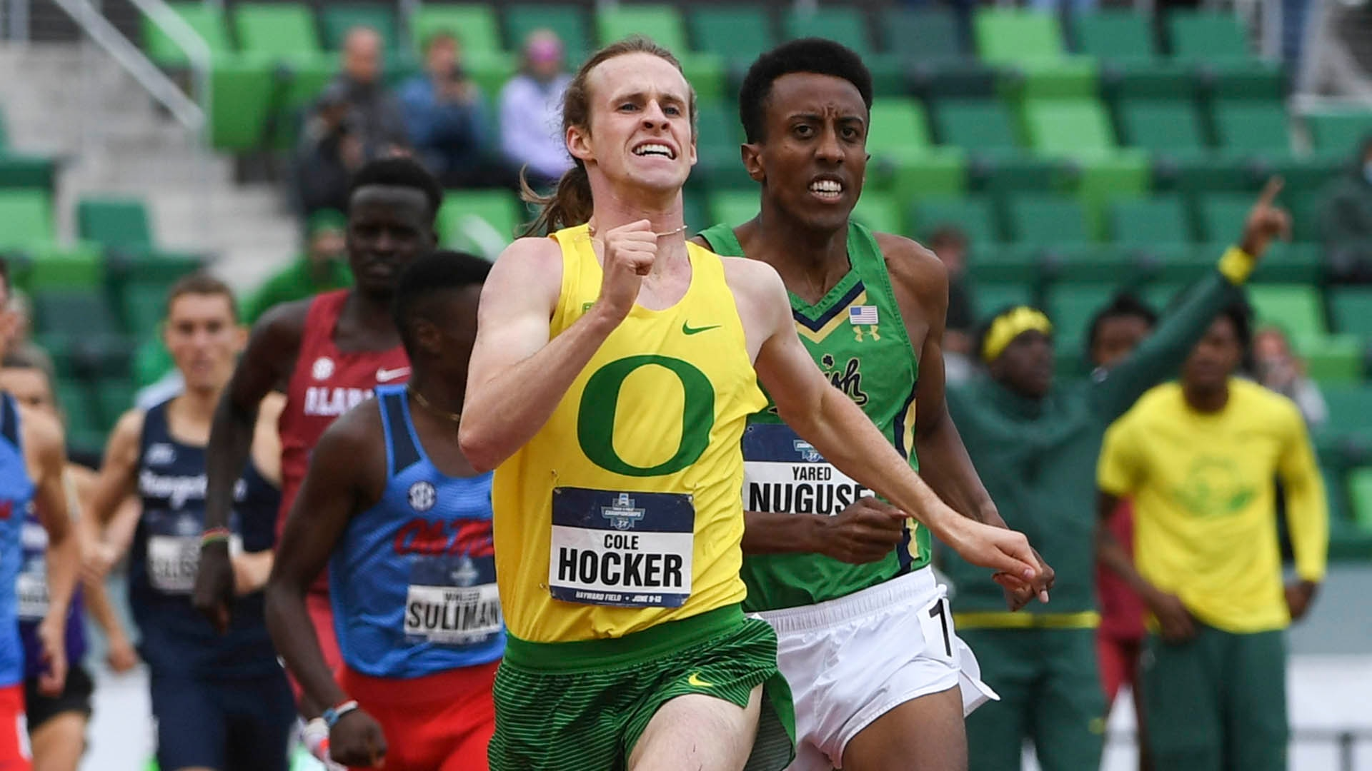 Cole Hocker and Yared Nuguse in the 1500m at 2021 NCAAs