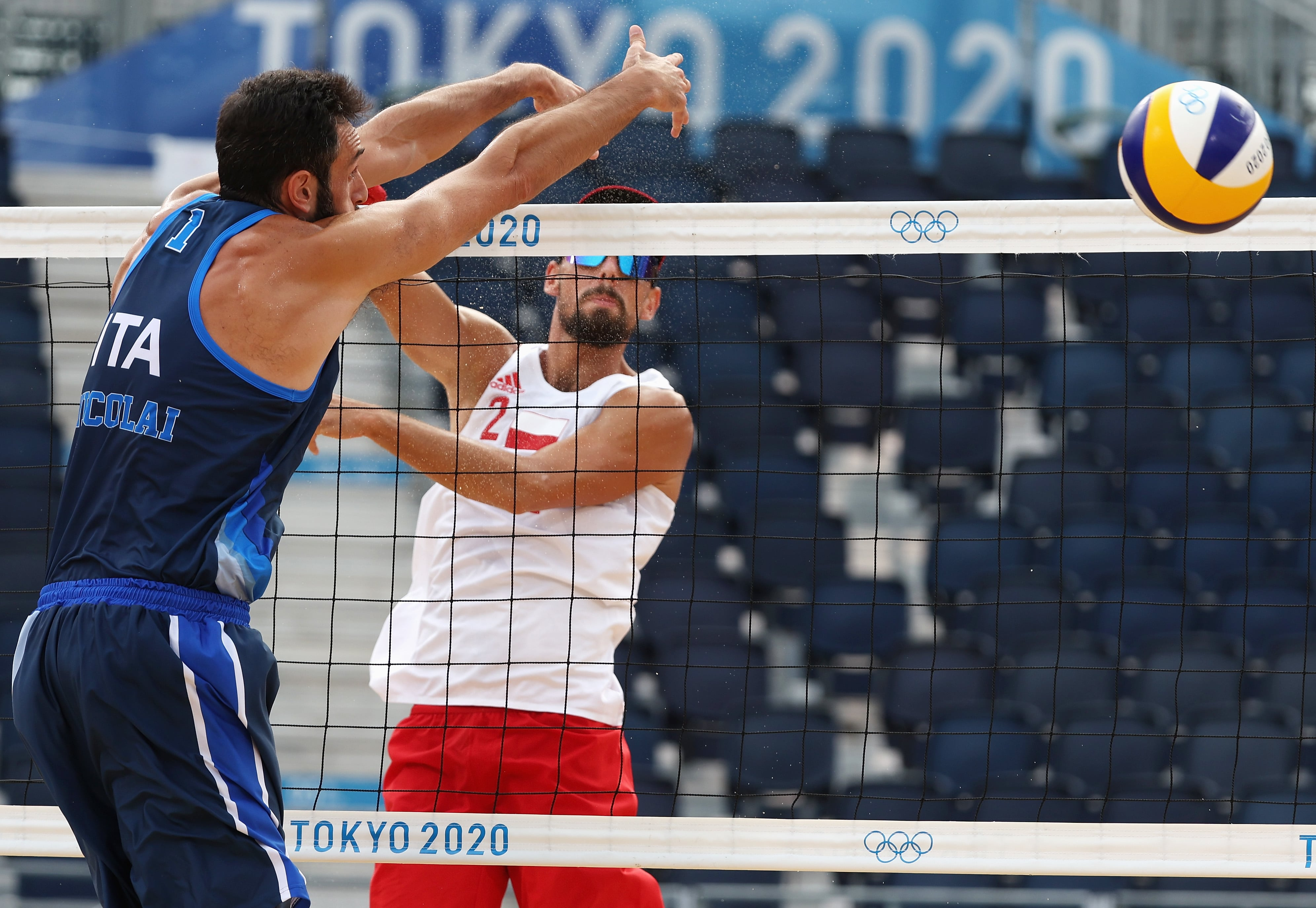 Image for Italy's intense determination pushes them to win unbelievable play