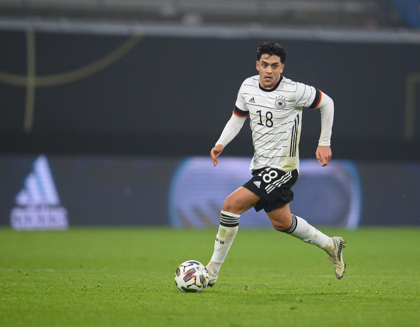 Nadiem Amiri plays for Germany in an international friendly