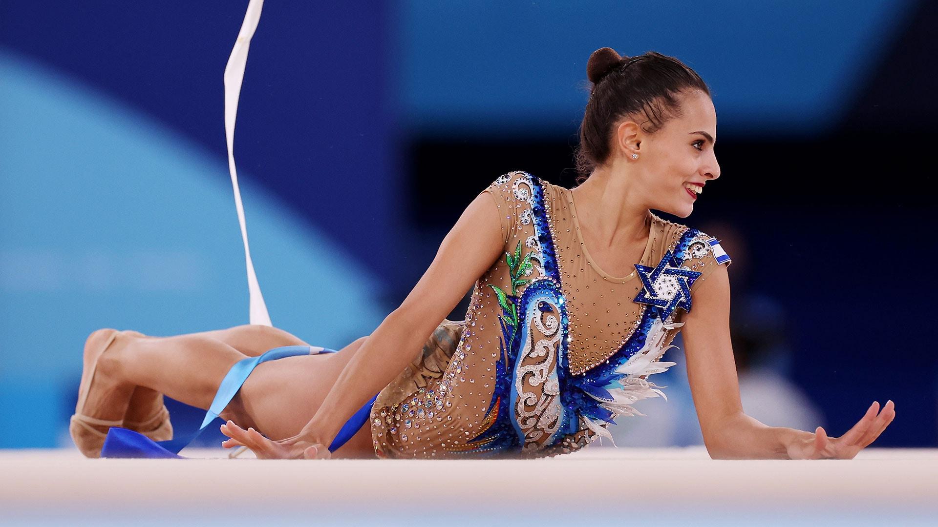 Image for Israel's Linoy Ashram upsets Dina Averina for gold in rhythmic gymnastics