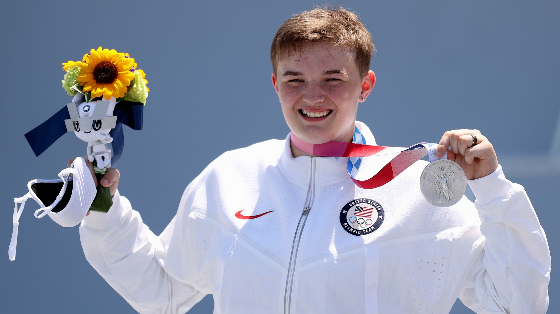 BMX freestyle rider Hannah Roberts poses with her silver medal (credit: Getty Images)