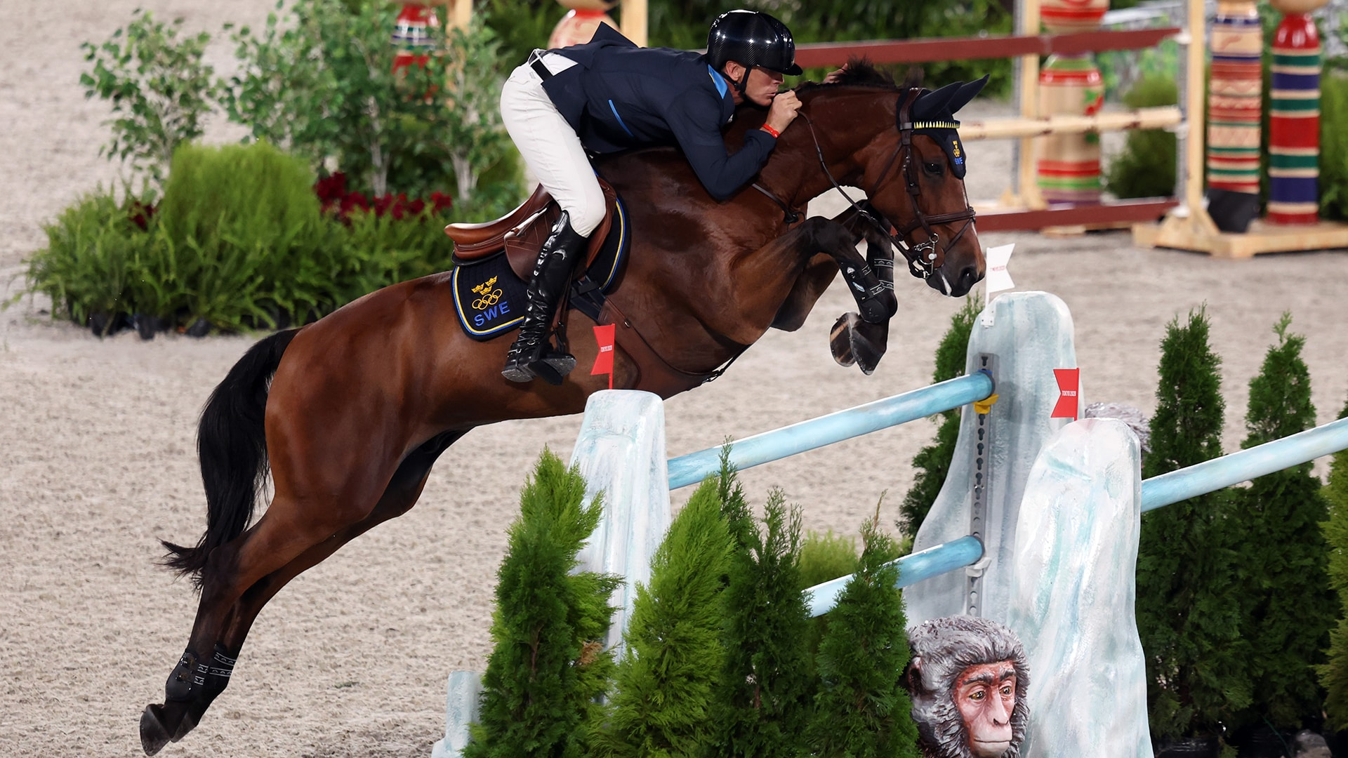 Image for Sweden beats U.S. by 1.3 seconds in thrilling jump-off for team show jumping gold