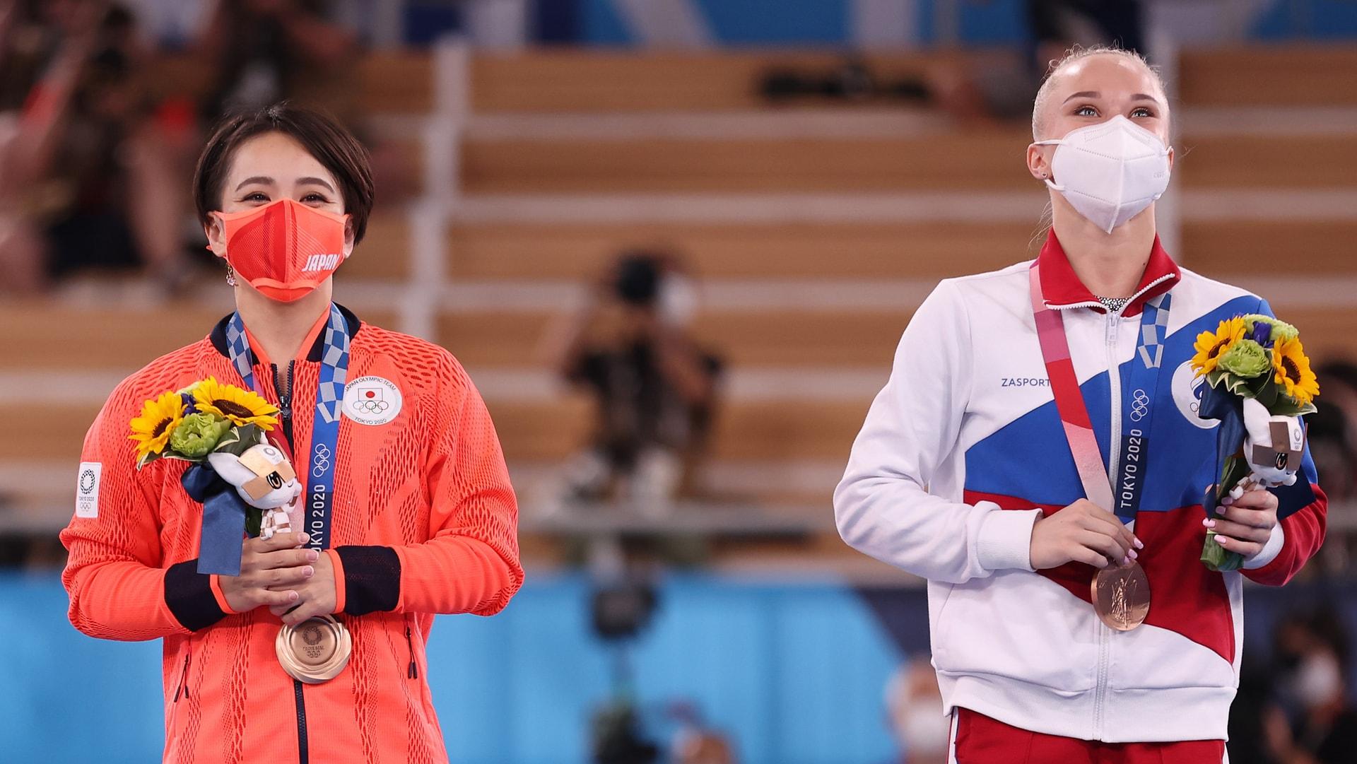 Image for A bronze for both: Murakami, Melnikova tie for third in floor exercise final