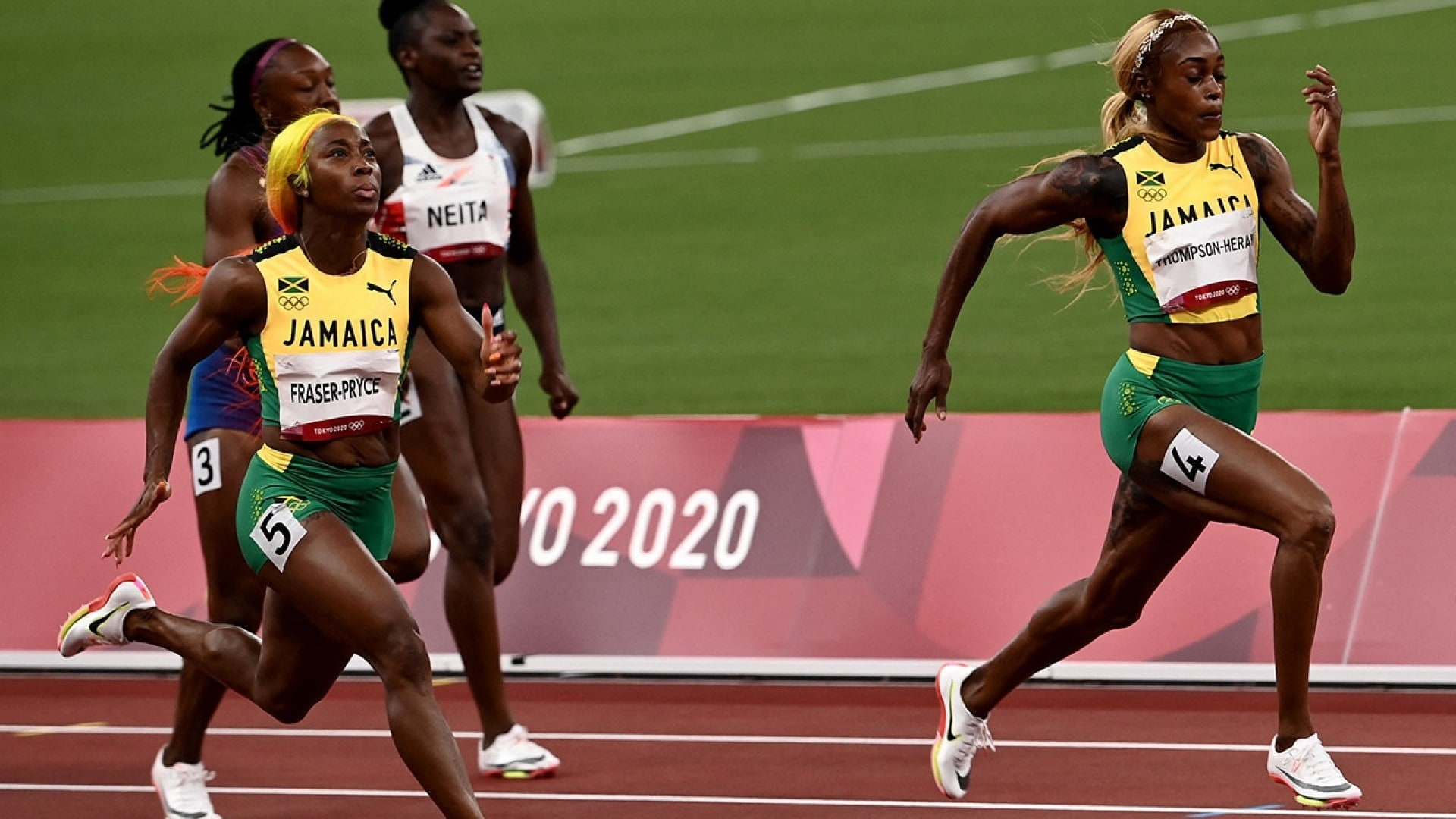 Image for Thompson-Herah becomes first woman to win 100m and 200m gold